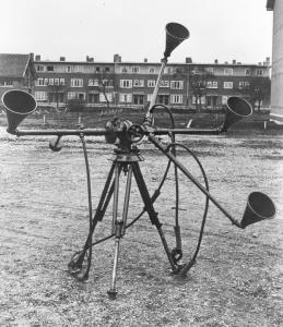 Doppelt Richtunghörer op de Waalsdorpervlakte, Den Haag