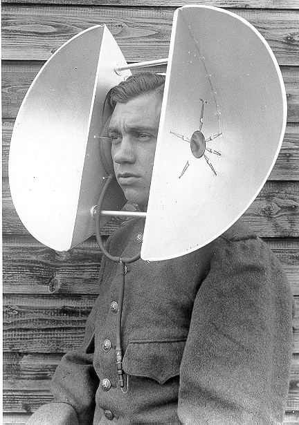 Listening device Air Watch Service (paraboloids); inflatable ear cushion visible