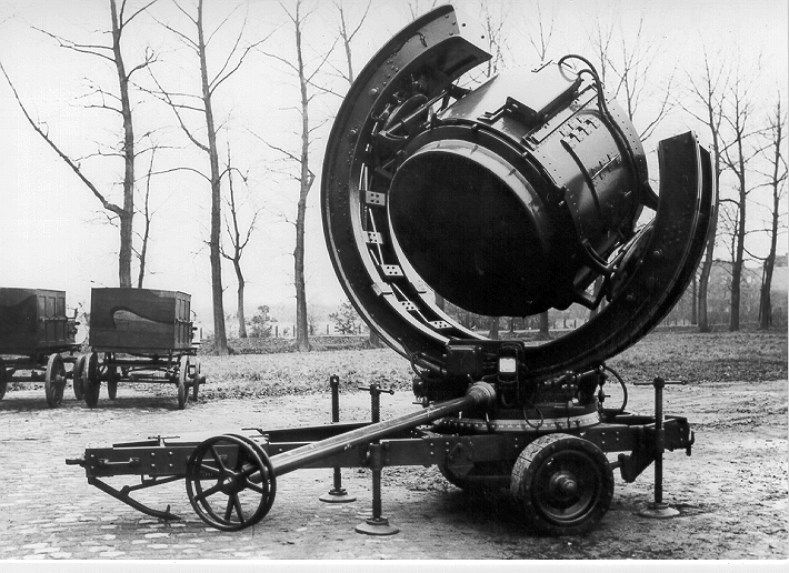 Three-axle searchlight