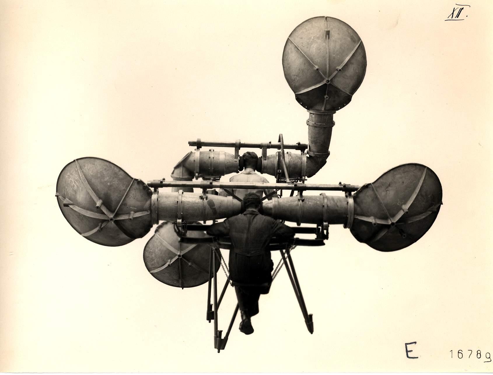 The bulky listening device by Goertz