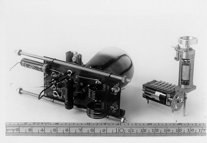 The one-tube transmitter and the motor-driven coding cylinder (1939)