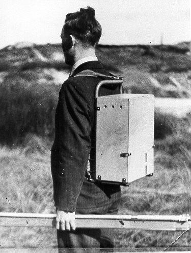 Transport van de UKG-telefoon als rugbepakking