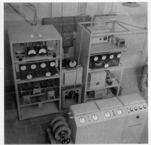 Transmitter Herrijzend Nederland III which broadcasted from May 1945 to 1946 (gramophone music and news). It was operated by the staff of the laboratory. The transmitter was later used as a retransmitter at Beek airport