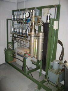 Druksimulator voor onderzoek aan druk-geactiveerde zeemijnen (1975)