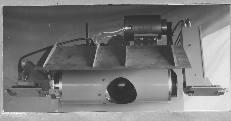 Floris thermal imaging scanner with a RCA 6655-A photomultiplier (1966); two wave lengths 3-5µ; angle 120° altitude 150 metres; 10 scans/s