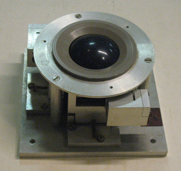 Trackball (195?) counting light holes in a rotating disk