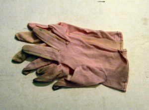 Nylon gloves (1953)