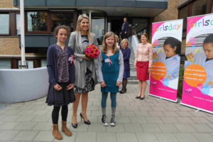 Princess Máxima is received at TNO The Hague Waalsdorp for starting Girlsday 2013 (photo: Najib Nafid)