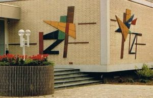 Ceramic on the outside walls (artist C. van Eck, Zeist)