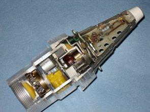 MENA is gebruikt bij de ontwikkeling van de Philips-USFA (UltraSoneFAbriek) Nieuwe Nabijheidsbuis 169 (NINA) voor brisantgranaten van 120 mm en groter