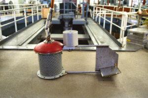 TBQT onderwatergeluidsbron bij het akoestisch bassin (1989)