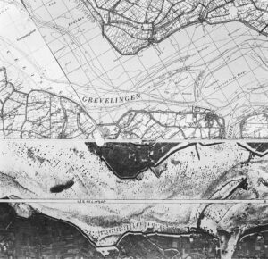 Grevelingen, the black points are poles that mark oyster beds (July 1962)