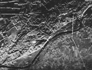 SLAR-opname west van Arnhem met de RRE 8 mm Q-band SLAR (10 november. 1960)