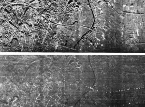 IJssel oostelijk van Arnhem. Rivierovergang van de A12 naar Duitsland. Het verkeer op de A12 is goed zichtbaar op het onderste Moving Target Indicator (MTI) beeld (juli 1964)