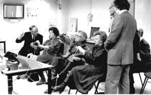 Demonstratie perceptieonderzoek aan H.M. de Koningin Juliana (1979)
